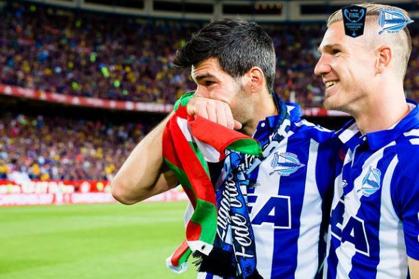 Manu García y Raúl García, al término del encuentro de la Final de Copa. Fuente: vavel