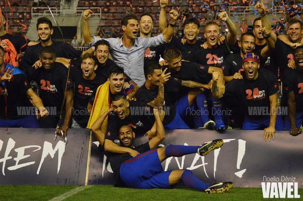 El Barça B celebrando el ascenso la temporada anterior. Foto: Noelia Déniz, VAVEL