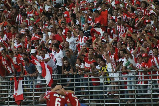 Ponto alto do CRB no Brasileirão: vitória sobre Internacional (Foto: Douglas Araújo/CRB)