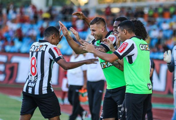 Elias iniciou a reação alvinegro em Goiânia (Foto: Bruno Cantini/Atlético-MG)