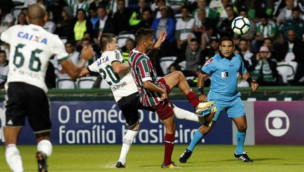 Gustavo Scarpa foi o capitão do Fluminense na partida (Foto: Nelson Perez / Fluminense)