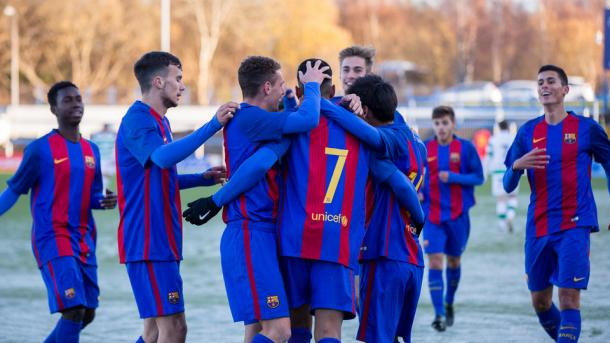 El FC Barcelona celebra el segundo tanto de Jordi Mboula   FC Barcelona