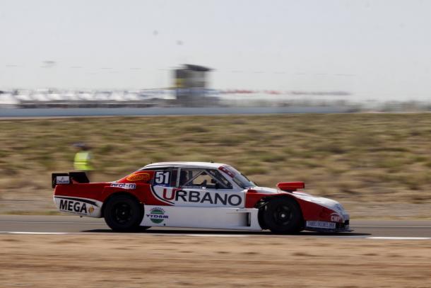 Dodge de Tomas Urretavizcaya transitando el Autódromo Parque Ciudad de Neuquén. Foto: ACTC.