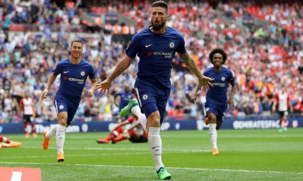 Giroud festeja tras un gran gol | Foto: Getty Images.