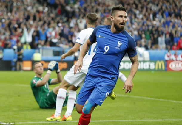 Giroud, a booking away from suspension, was able to be taken off after bagging a brace (photo: Reuters)