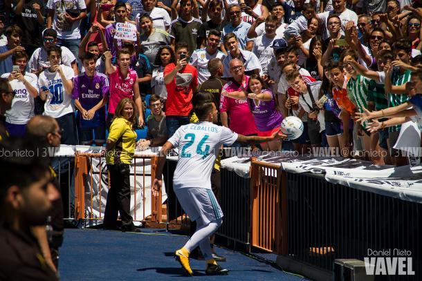 Dani Ceballos foi apresentado no Santiago Bernabéu no dia 20 de julho de 2017