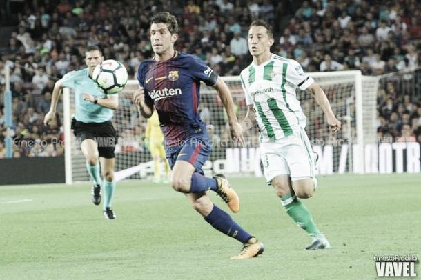 Duelo entre el Real Betis y el FC Barcelona | Foto: Ernesto Aradilla -VAVEL