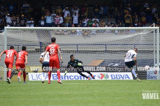 Castillo y Díaz no pueden impedir derrota de Pumas