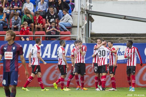 Los jugadores del Athletic celebran el gol de Aduriz. | UGS Vision.