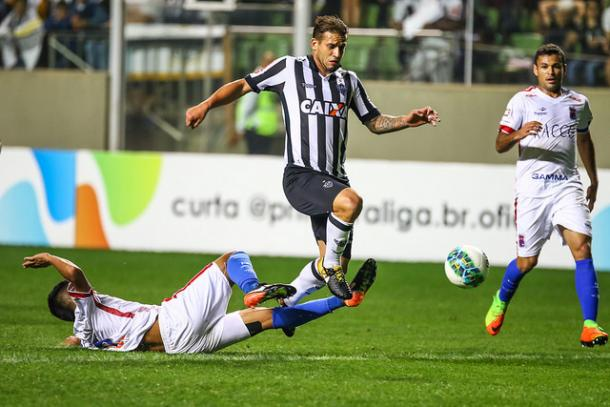 Rafael Moura entrou no segundo tempo e perdeu uma chance cara a cara com o goleiro (Foto: Bruno Cantini/Atlético-MG)