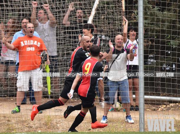 Héctor Gómez celebrando un gol | Foto: Jorge Ropero (VAVEL)