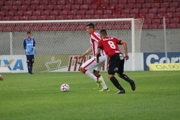 Última partida de Bruno pelo Timbu foi na vitória sobre o Brasil de Pelotas na Arena (Foto: Léo Lemos/Náutico)
