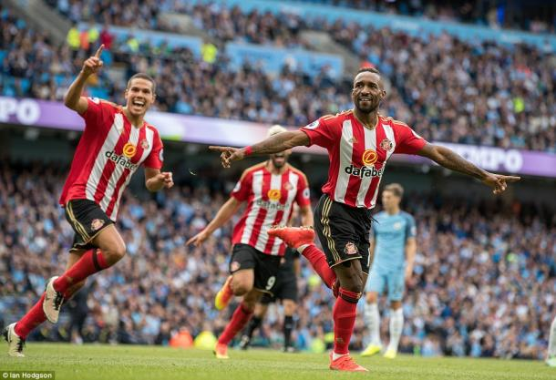 Jermain Defoe celebrating his equaliser in Sunderland's 2-1 defeat to Manchester City | Photo: Ian Hodgson