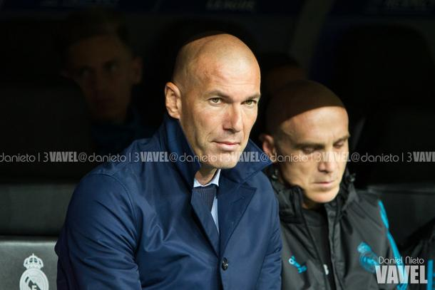 Zidane en el banquillo esta temporada   Foto: Daniel Nieto (VAVEL)