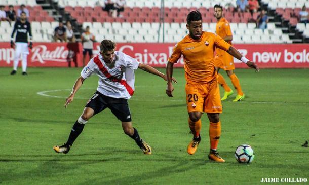 Imagen del Sevilla Atlético - Reus de la primera vuelta, arbitrado por Eiriz Mata | Foto: Jaime Collado (Vavel)
