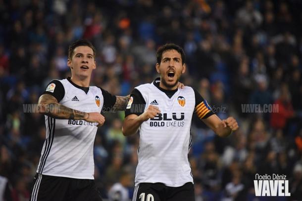 Dani celebrando junto a Santi Mina el gol del gallego | Foto: Noelia Déniz, VAVEL