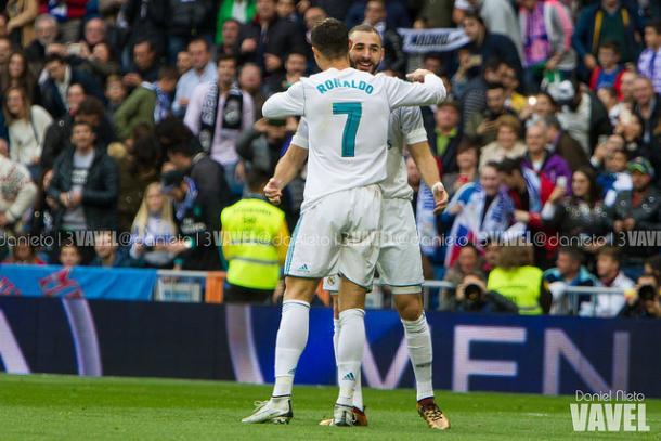 Benzema celebra un gol con Cristiano, Foto: Daniel Nieto (VAVEL)