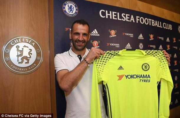 Above: Eduardo been unveiled as a Chelsea FC player | Photo: Chelsea FC via Getty Images