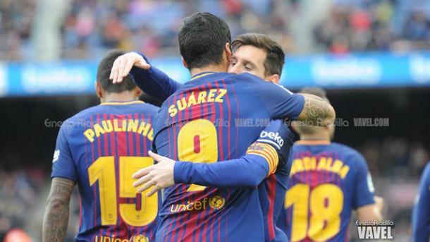 Suárez y Messi celebrando el gol del uruguayo / Ernesto Aradilla (VAVEL)