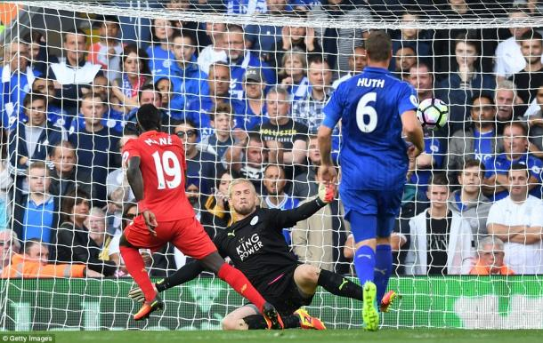 Above: Sadio Mane scoring his goal in Liverpool's 4-1 win over Leicester City | Photo: Getty Images