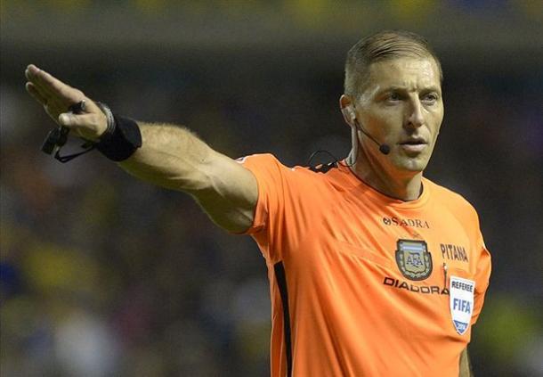 Néstor Pitana será el árbitro del Uruguay - Brasil de hoy