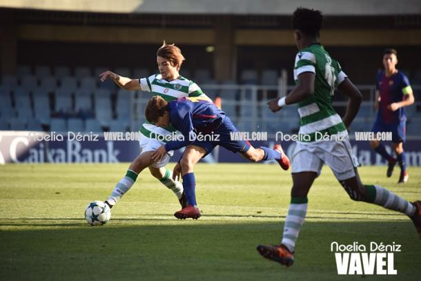 El partido, lejos de ser intrascendente, fue muy intenso. | Foto: Noelia Déniz, VAVEL