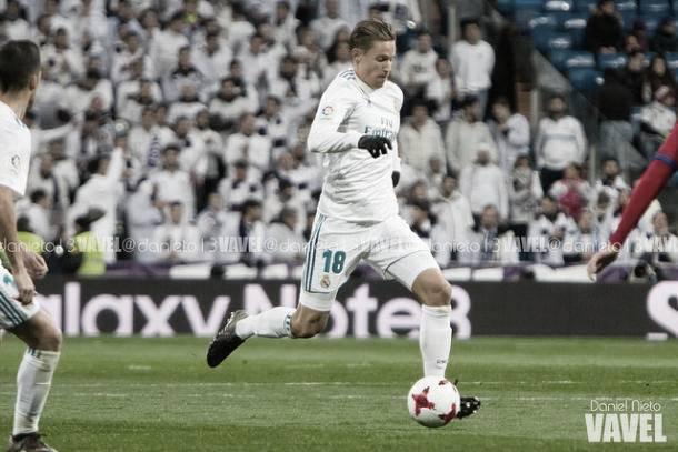 Marcos Llorente dirge una jugada en el Santiago Bernabéu | Foto: VAVEL