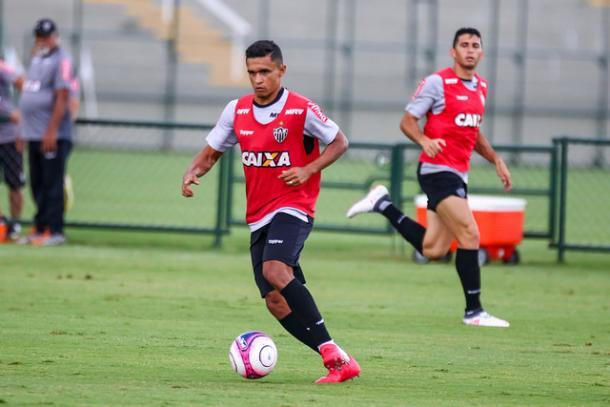 Reforço para 2018, Erik terá mais uma chance de mostrar seu futebol (Foto: Divulgação/Atlético)