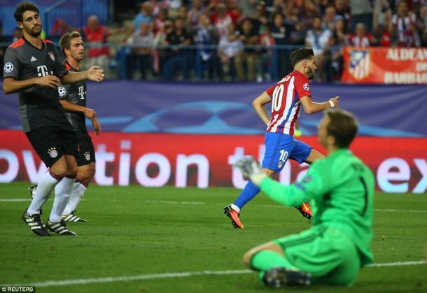 Il goal decisivo di Carrasco in Atletico-Bayern, www.dailymail.co.uk
