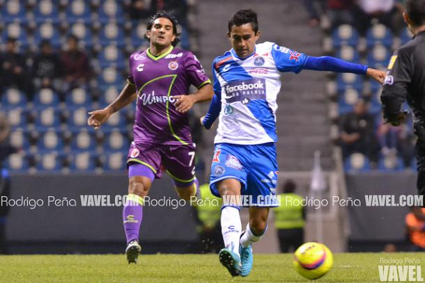 Alonso Zamora durante el duelo ante Veracruz | Foto: Rodrigo Peña | VAVEL
