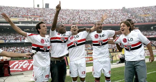 Exceção à regra: São Paulo foi campeão brasileiro em três anos seguidos (Foto: CityFiles/Getty Images)