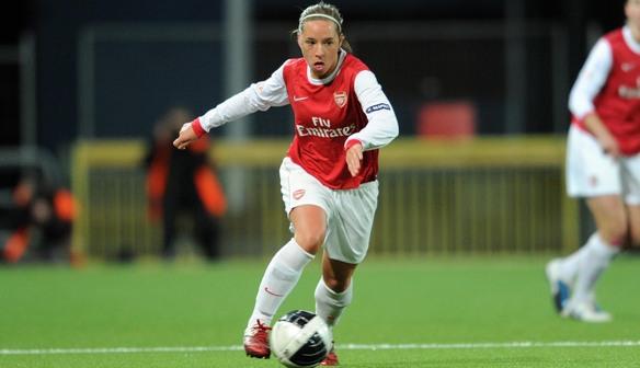(Nobbs on the ball for Arsenal. Photo: ArsenalLadies.com)