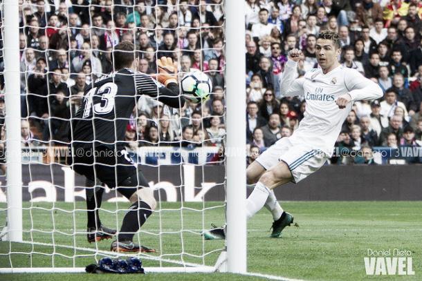 Oblak atajando el disparo de Cristiano Ronaldo | Foto: Daniel Nieto