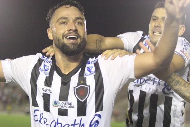 Nando é a principal referência do ataque do Botafogo-PB (Foto: divulgação/Botafogo-PB)