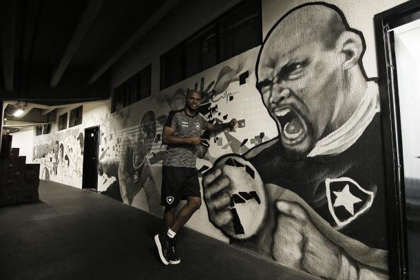 O ídolo foi eternizado nas paredes do Estádio Nilton Santos. Foto: Vitor Silva/SSPress/Botafogo