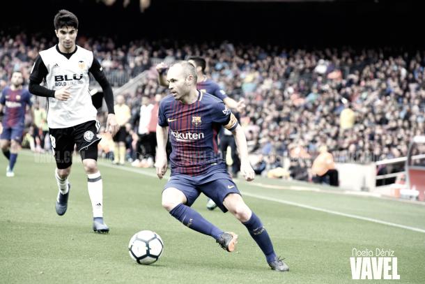 Andrés Iniesta ante el Valencia | Foto de Noelia Déniz, VAVEL