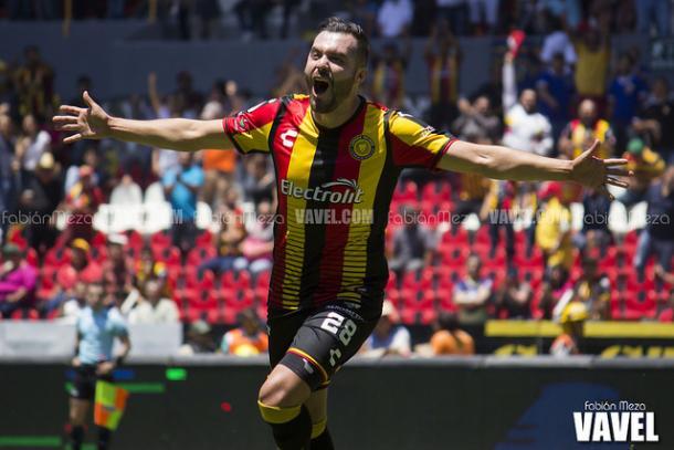 (Vaaldéz entró de cambio por Sánchez y marcó el tercer gol | Foto: Fabián Meza / VAVEL)