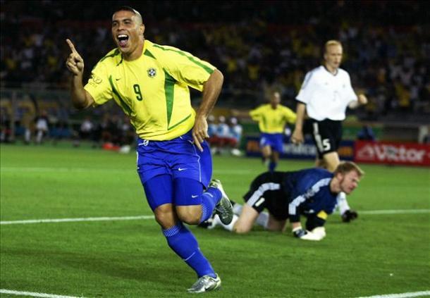 Ronaldo terminou a Copa do Mundo de 2002 com 8 gols em 7 jogos (Foto: Getty Images)