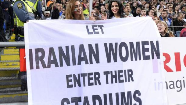 Supporters protest against the stadium ban. (Photo: AFP)