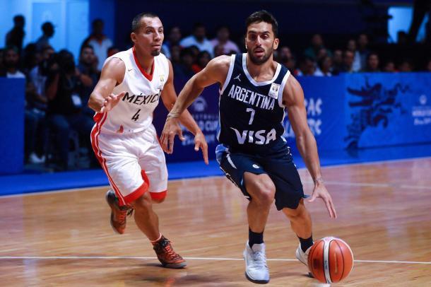 Facu Campazzo liderando al seleccionado. | Foto: FIBA