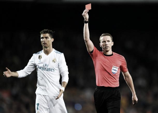 Hernández Hernández dirigió un 2-2 entre Real Madrid y Barcelona en la 2017/2018   Foto: Real Madrid C.F.