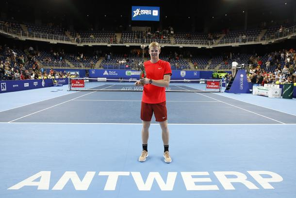 Kyle Edmund poses with his first ATP trophy in Antwerp. Photo: European Open