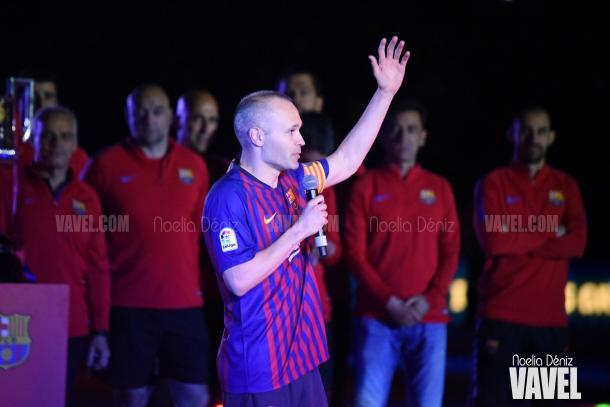Andrés Iniesta se dirigió a la afición en su despedida con el Fútbol Club Barcelona en el Camp Nou | Foto de Noelia Déniz, VAVEL