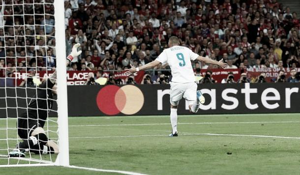 Benzema, luego de adelantar a su equipo | Foto: Real Madrid C.F.