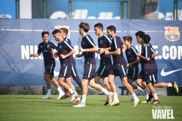 Los jugadores del filial azulgrana en el entrenamiento | Foto de Noelia Déniz, VAVEL