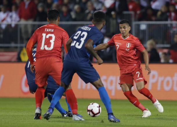Paolo Hurtado durante el partido ante Estados Unidos | Foto: FPF
