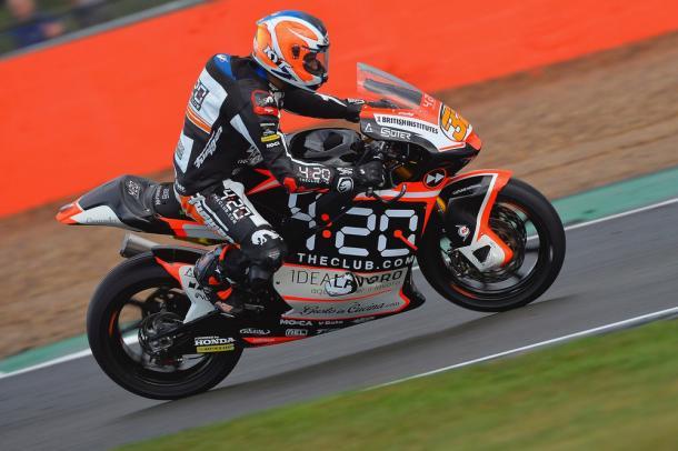 Isaac rodando en Silverstone antes de la caída en la FP1. Foto: Forward Racing.
