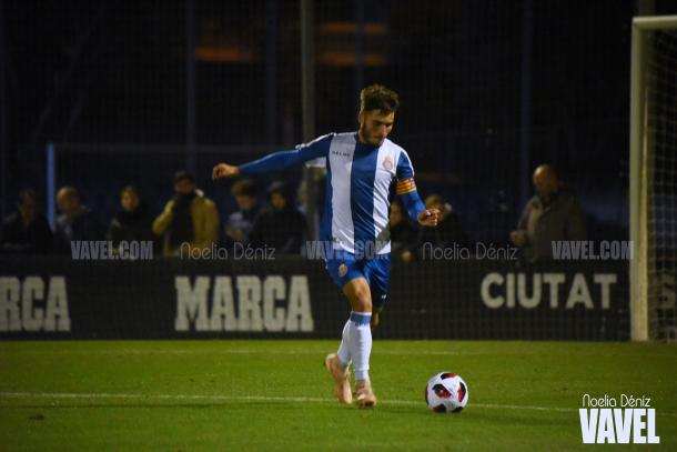 El capitán del conjunto perico, Lluis Lopez, en acción / Foto: Noelia Déniz (VAVEL.com)