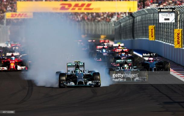 The first braking zone cost Rosberg the win in 2014. | Photo: Getty Images/Peter J. Fox
