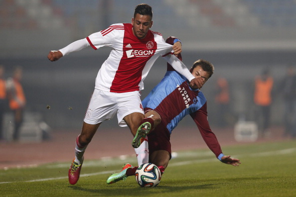 Erdogan tussles with potential future teammate Kishna who was with Ajax at the time | photo: gettyimages.com